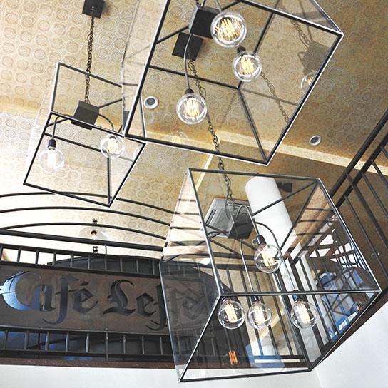 Ensemble de Lustres Cairo - design Cyrille Varet pour la brasserie Leffe à Levallois Perret