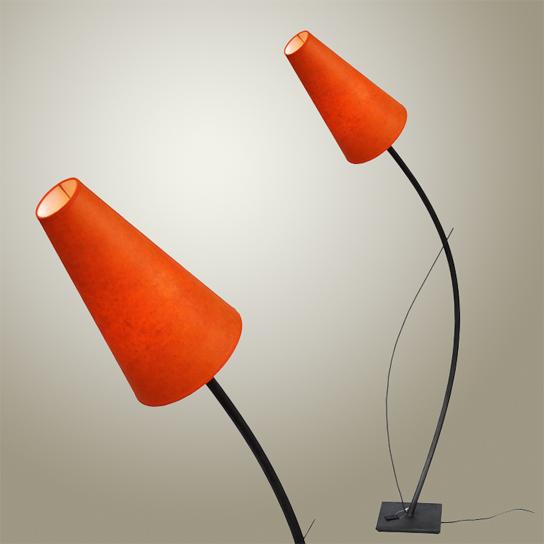 Lampadaire Bentou - Structure acier, abat-jour papier sur PVC - 288€